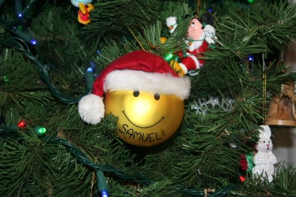 Smiley Santa ornament. From my personal collection.
